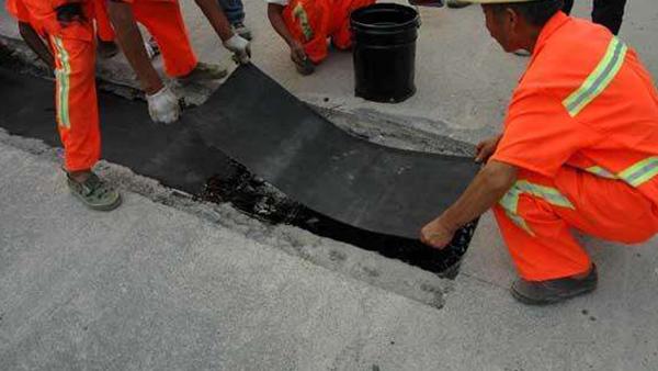 嘉格双膜立面贴缝带应用于甘肃兰州的坑槽铣剥接缝修补中