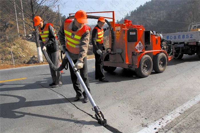 道路灌缝胶低温也想灌缝施工怎么办,嘉格伟业为您解忧