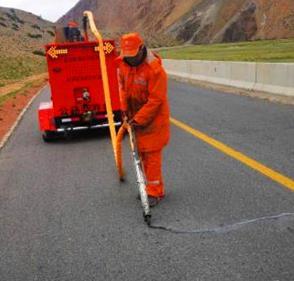 路面灌缝胶的选用和施工您必须了解这些