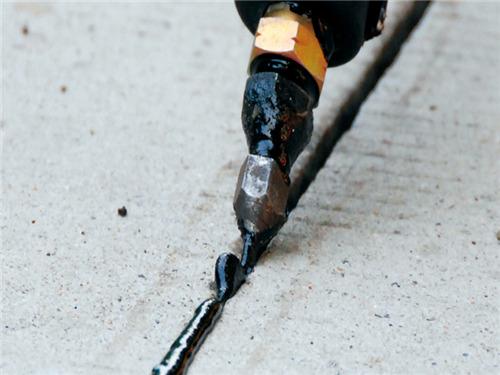沥青密封胶性能特点及施工相关情况简介