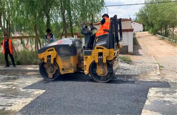 路面修补料修补公路坑槽意义深远