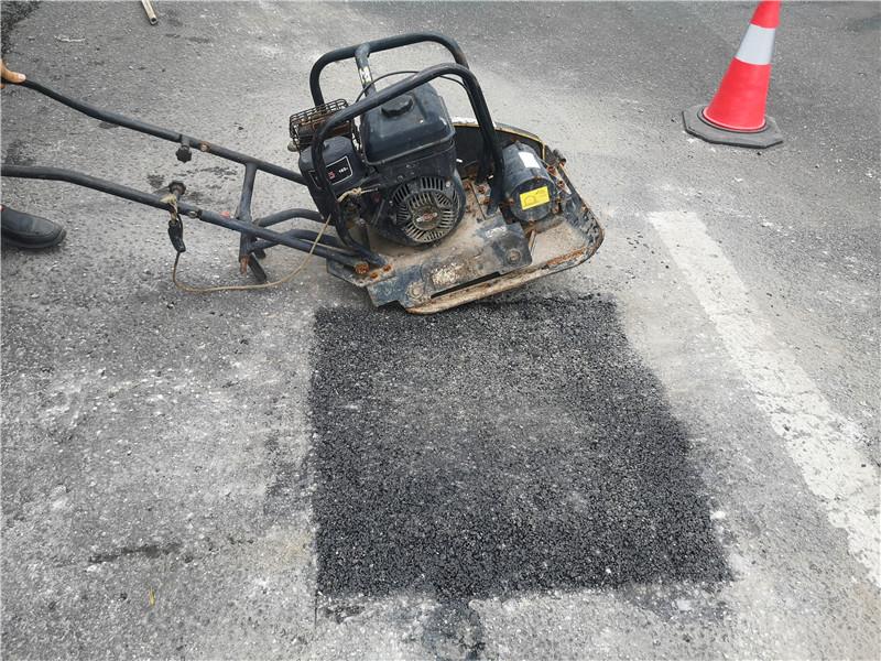 冷补沥青料的特点和施工流程