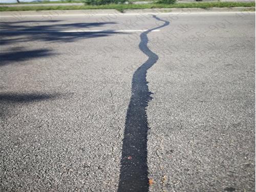 嘉格沥青贴缝带和嘉格沥青灌缝胶的相同点和不同点